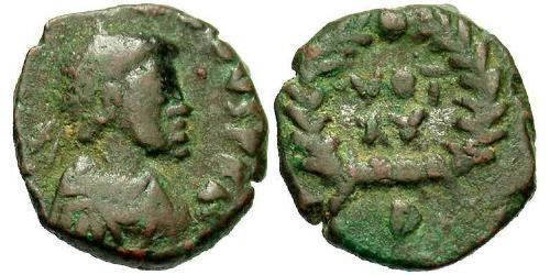 1 Фоллис /  AE4 Западная Римская империя (285-476) Бронза Валентиниан III (419-455)