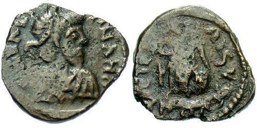 1 Фолліс /  AE4 Західна Римська імперія (285-476) Бронза Валентиніан III (419-455)