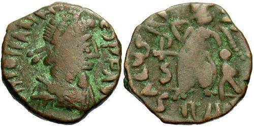 1 AE4 / 1 Фоллис Западная Римская империя (285-476) Бронза Флавий Иоанн (?-425)