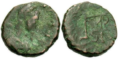 1 Follis / 1 AE4 Byzantinisches Reich (330-1453) Bronze Markian (392-457)
