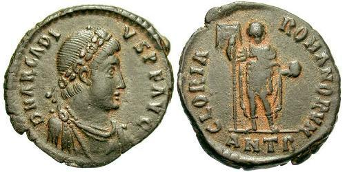 1 Follis /  AE2 Byzantine Empire (330-1453) Bronze Arcadius (377-408)