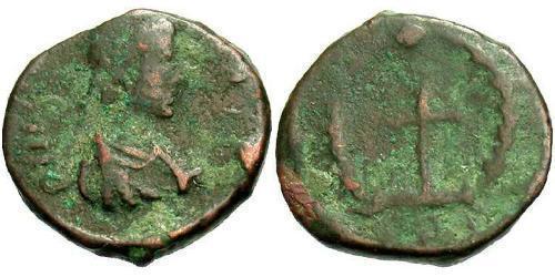 1 Follis /  AE4 Byzantine Empire (330-1453) Bronze Theodosius II (401-450)