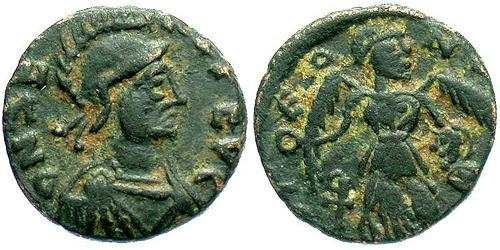 1 Follis /  AE4 Byzantine Empire (330-1453) Bronze Flavius Zeno (425- 491)