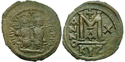Follis Empire byzantin (330-1453) Bronze Justin II (520-578)