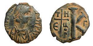 1/2 Follis Byzantinisches Reich (330-1453) Bronze Justinian I (482-565)